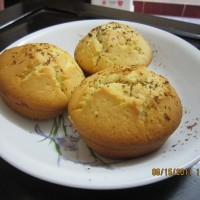 Yellow Muffins with Shaved Dark Chocolate ^^