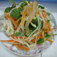 Jellyfish Salad with Kohlrabi, Carrot and Vietnamese Mint Leaves