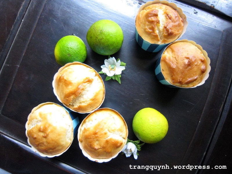 Eggless lime muffins 1
